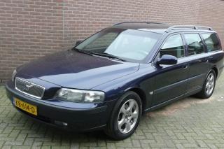 Volvo-V70-thumb