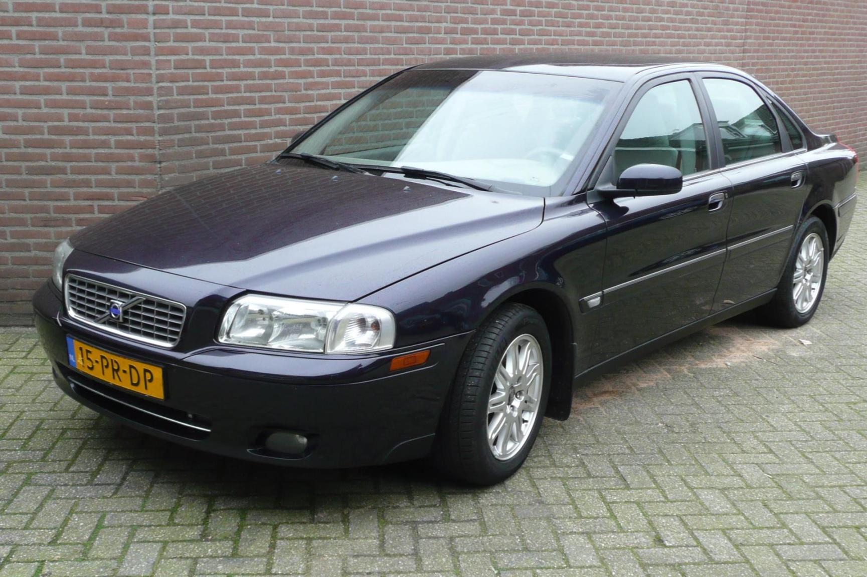 Volvo-S80-0